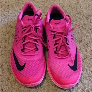 Nike hot pink fitsole shoes size 9.5